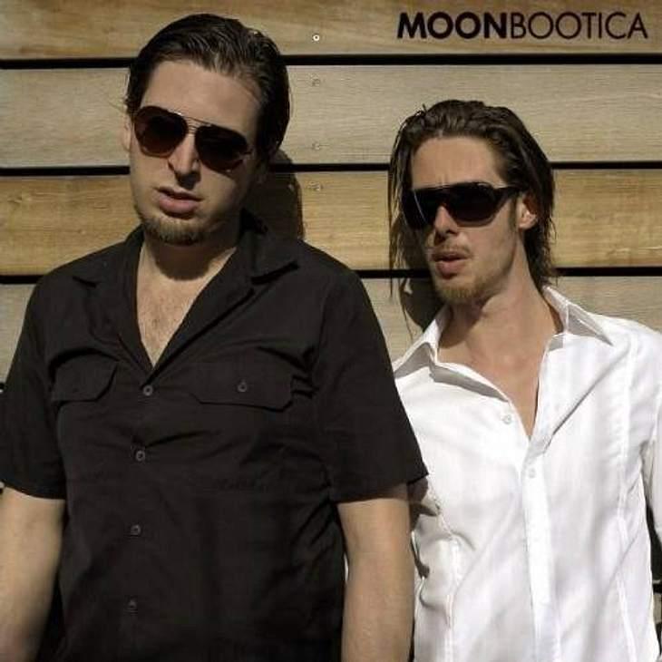 """Moonbootica - """"June"""""""