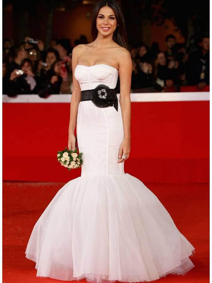 Die Luxus-Ballkleider der StarsZum Dahinschmelzen: Model und Moderatorin Moran Atias trägt ein hinreißendes Fishtail-Kleid.