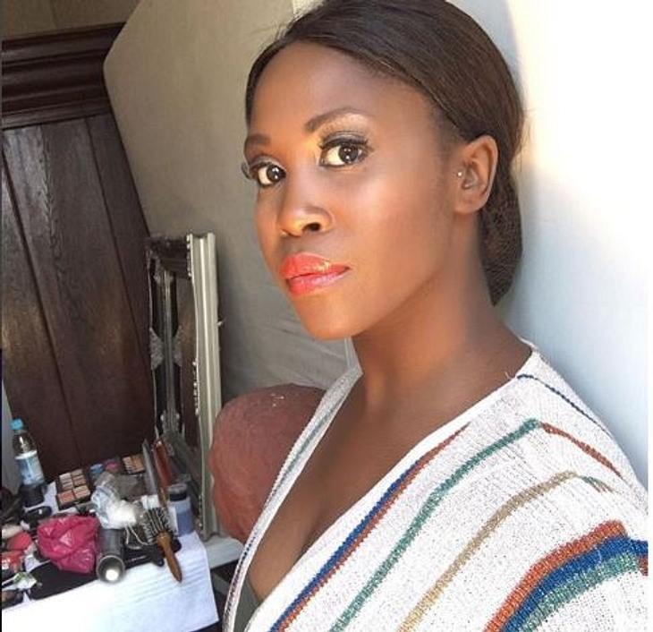 Motsi Mabuse nackt: Mit diesen Fotos heizt sie ihren Fans ein!