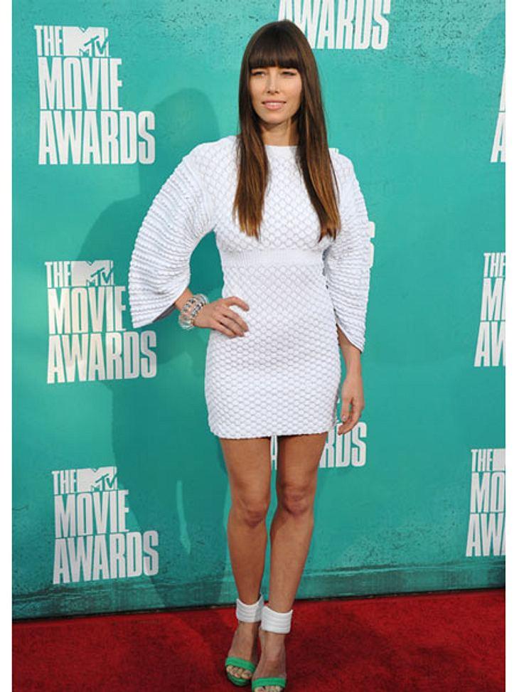 MTV Movie Awards 2012: Die HighlightsJessica Biel (30) übt schon mal weiße Kleider tragen. Immerhin will sie im Oktober ihren Verlobten Justin Timberlake (31) heiraten.