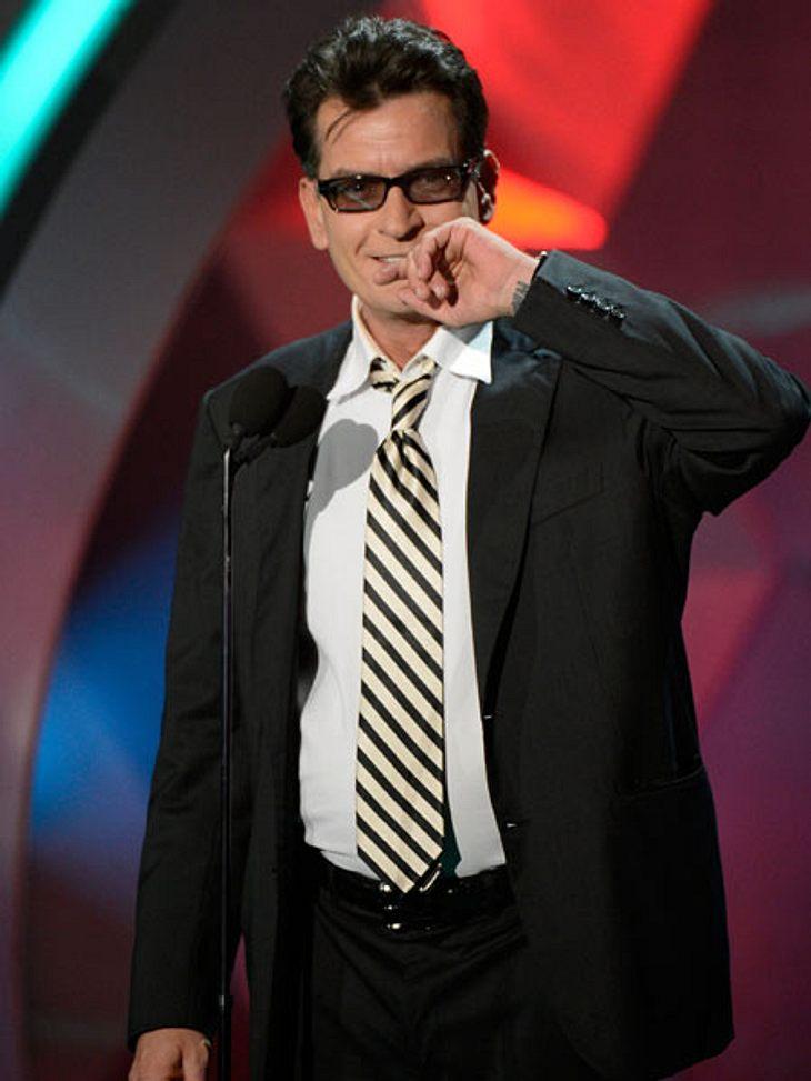 """MTV Movie Awards 2012: Die HighlightsAuch Charlie Sheen (46) ließ sich mal wieder in der Öffentlichkeit blicken. Es heißt ja schon wieder, er hätte mit viel Alkohol und nackten Frauen den Drehschluss von """"Anger Management"""" gefeier"""