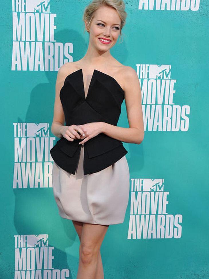 MTV Movie Awards 2012: Die HighlightsEmma Stone (23) zeigte auf dem roten Teppich, dass sie einiges an Gewicht verloren hat.