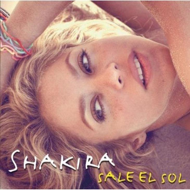 """Das hört die WUNDERWEIB.de-Redaktion im Juli Jana hört """"Loca"""" von Shakira:""""Zwar schon etwas älter, aber macht nichts: Auch wenn sich bei uns der Sommer noch nicht so richtig einstellen will  wenn ich """"Loca"""" höre ist"""