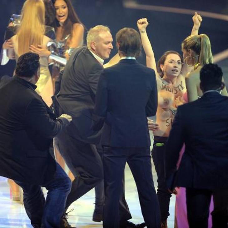 GNTM-Finale 2013: Nackt-Prostest von FemenSie schafften es sogar, ganz nah an Heidi Klum heranzukommen.