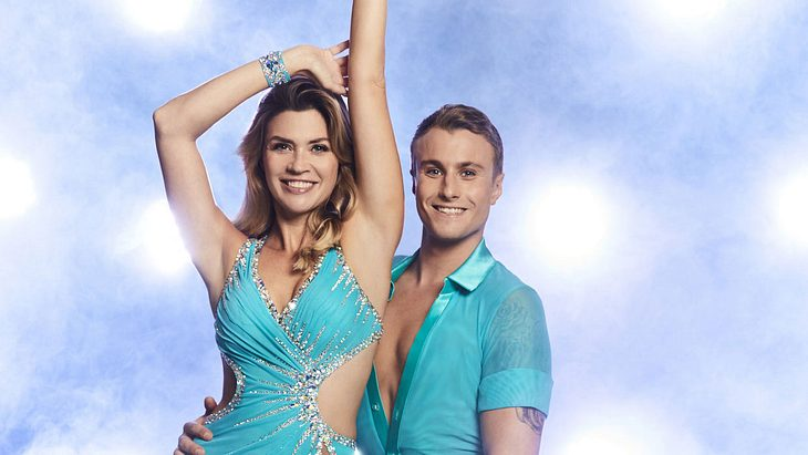 "Nadine Klein: Was läuft da mit ""Dancing on Ice""-Partner Niko?"