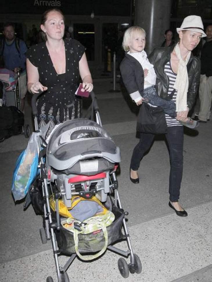 Die Nannys der VIP-KidsDie Wagenschieberin: Mütter wie Naomi Watts lassen sich nicht gerne das Muttersein abnehmen. Sie übergeben ihren Nannys die Aufgaben, die sie selbst nicht so gern erledigen: Wagen schieben, Bäuerchenspuren wegwischen,
