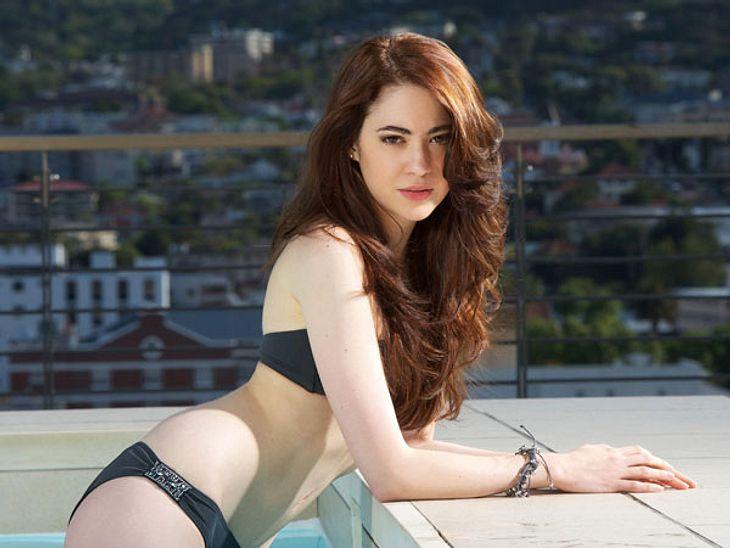 """""""Bachelor 2013"""": Bikini-Rätsel der Kandidatinnen - Wer ist das Playmate?Wallemähne und ein unergründlicher Blick - ob Natalie so den Bachelor für sich gewinnt?"""