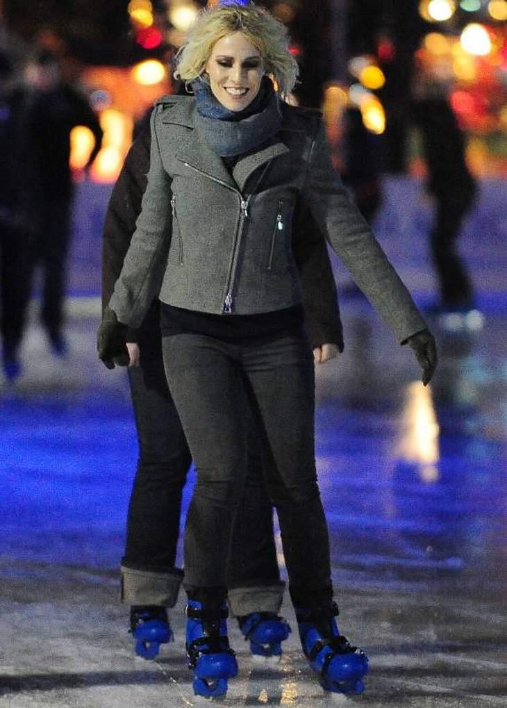 Stars im Schnee Natasha Bedingfield nutzt die schönen Seiten des Winters und geht Schlittschuh laufen.