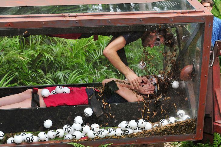 Nathalie Volk und Menderes Bagci bei der Dschungelprüfung