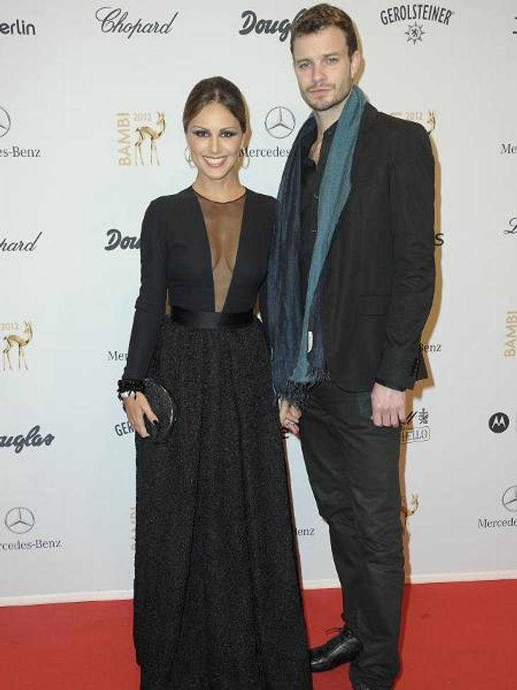 Bambi 2012 - Die Looks der StarsNazan Eckes (36) und ihr Mann Julian Khol (32) verzichteten auf farbliche Experimente und kamen in schlichtem Schwarz.,