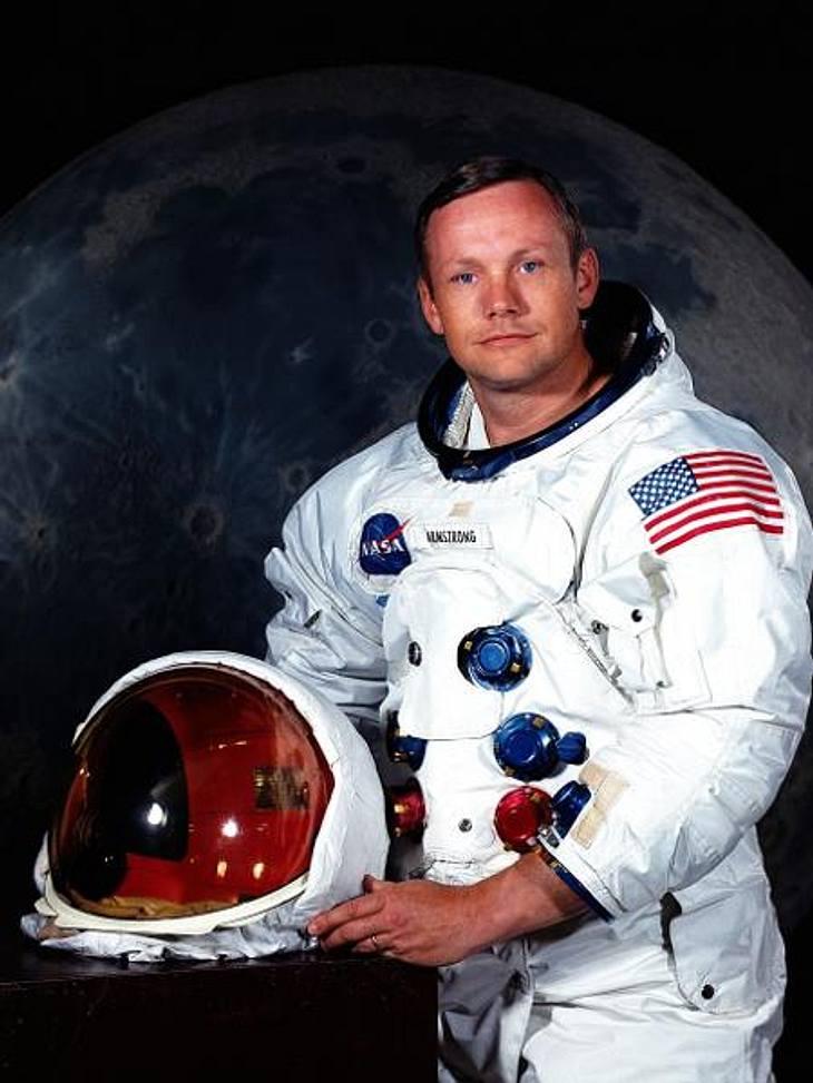 Die Todesfälle 2012Als erster Mensch betrat Neil Armstrong (†82) am 21. Juli 1969 den Mond und ist seither eine Legende. Am 25. August starb er an den Folgen einer Bypass-Operation.