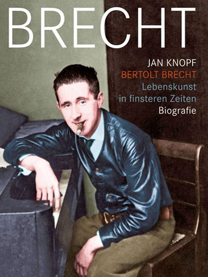 Berthold Brecht - Biografie von Jan KnopfDarum geht's: Eine neue Biografie über Berthold Brecht: Die Geschichte eines Mannes, der sich und seine Werke gegen politische Widerstände und zwei Weltkriege durchsetzte. Jan Knopf schreibt auf far