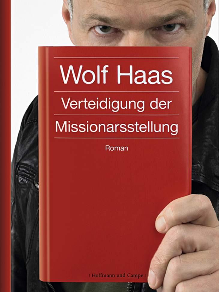 Verteidigung der Missionarsstellung von Wolf HaasDarum geht's: Benjamin Lee Baumgartner kämpft einen aussichtslosen Kampf gegen das Verlieben. Eine Seuche, die ihn um den Verstand bringt. Es fängt ganz still und heimlich an mit leichtem Ko