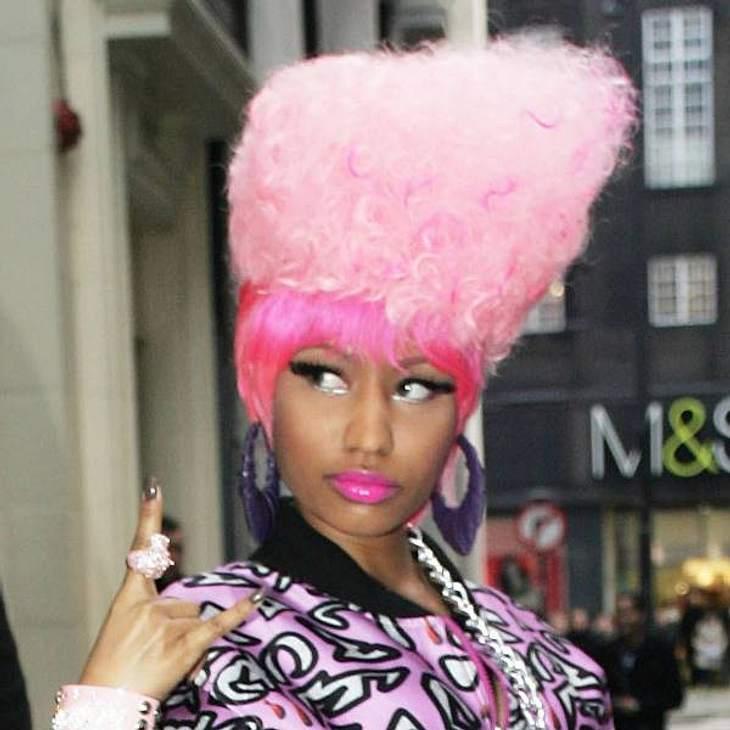 Nicki Minaj: Ihre verrücktesten Haar-StylesZu dieser Frisur von Nicki Minaj kann man nur eins sagen: Zuckerwatte auf dem Kopf.