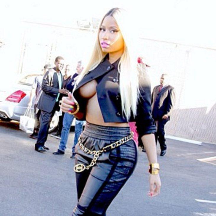 Nicki Minaj zeigt zu viel