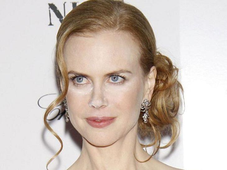 Die Make-Up-Pannen der StarsGenau wie Hollywood-Star Nicole Kidman (45). Die zu stark gepuderte Nase könnte durchaus falsch gedeutet werden.