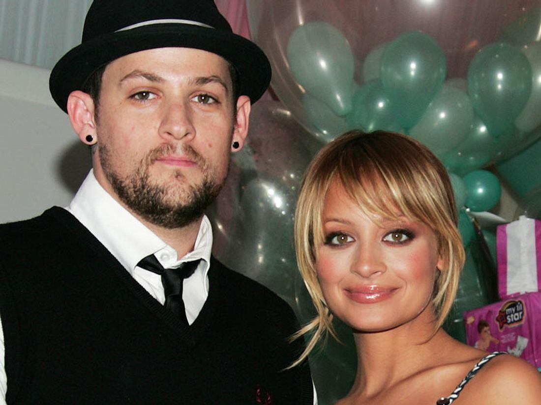 Haben Nicole Richie und Joel Madden heimlich geheiratet? Wenn man sich die Geburtsturkunde von Baby Sparrow anschaut, liegt der Gedanke nahe... Nicole Richie: Hochzeits-Heimlichtuerei