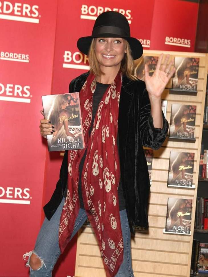 """""""Ich schreib dann mal ein Buch!"""" - Stars und ihre BestsellerSelbst  Nicole Richie musste ihr bereits gelebtes Leben zu Papier bringen. """"Priceless"""" heißt ihr Werk."""