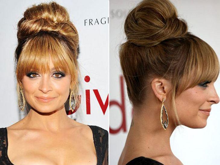 ,Die Trendfrisuren der StarsAufgetürmt und glamourös - das ist dieser raffinierte Knoten am Oberkopf bei Nicole Richie (30). Wer nicht genug Haare dafür hat, einfach ein Haarkissen mit einbinden. Es geht aber noch einfacher...