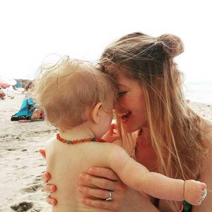 Nina Bott teilt intimen Moment mit Baby Luna auf Instagram!