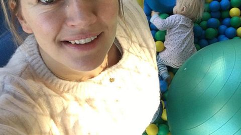 Nina Bott: Schwanger mit Baby Nr. 3? - Foto: Facebook/ Nina Bott