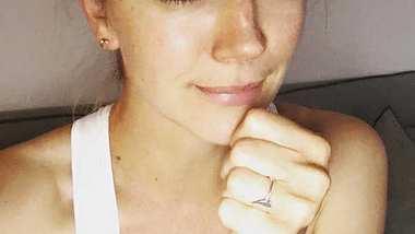Nina Bott feiert TV-Comeback als Prominent-Moderatorin auf VOX! - Foto: Facebook