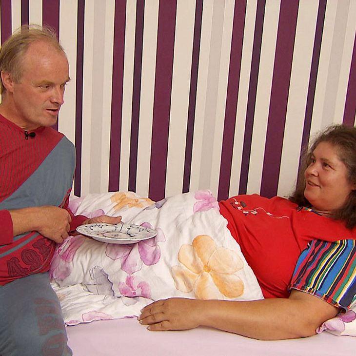 """""""Bauer sucht Frau""""-Norbert: Romantisches Late-Night-Dinner mit Petra im Bett"""