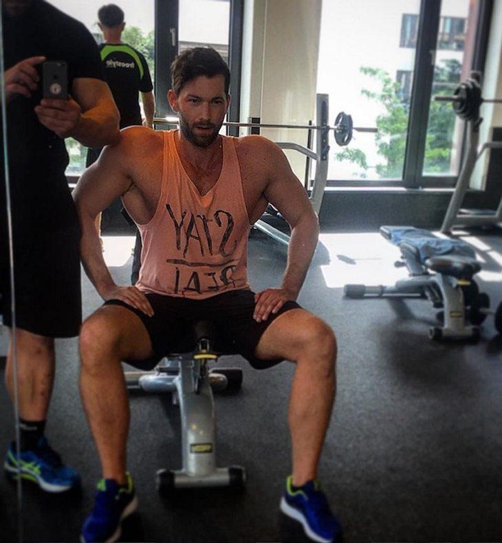 Mucki-Alarm! Oliver Sanne zeigt seine Mega-Muskeln