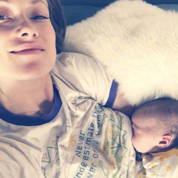 Olivia Wilde postet ein Foto, das sie beim Stillen zeigt