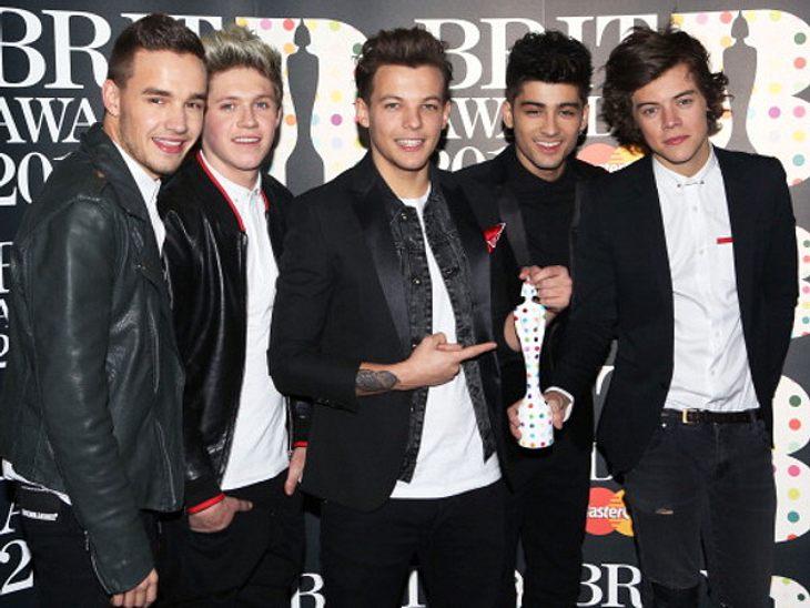 """Die Fans feiern das neue Lied von """"One Direction""""."""