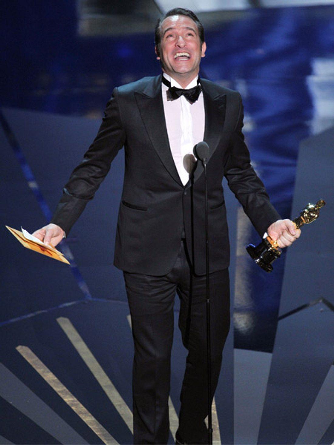 """Strahlender Sieger: Jean Dujardin gewann in der Kategorie """"Bester Hauptdarsteller"""". Seine Hollywood-Kollegen gingen leer aus."""