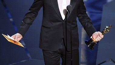 """Strahlender Sieger: Jean Dujardin gewann in der Kategorie """"Bester Hauptdarsteller"""". Seine Hollywood-Kollegen gingen leer aus. - Foto: GettyImages"""