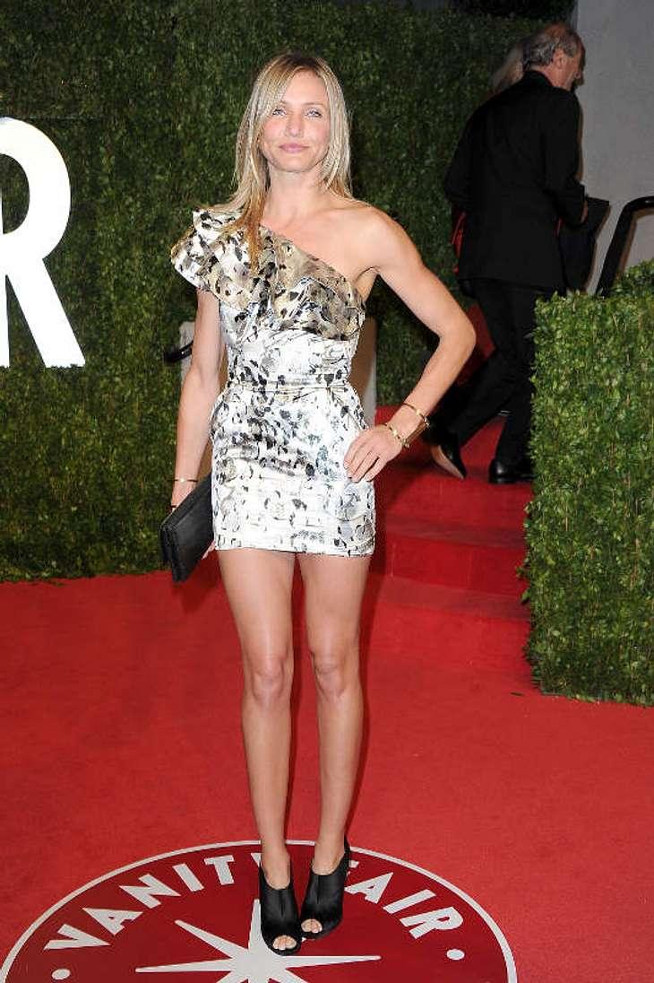 Oscar-Verleihung 2011: Die Partys danachSexy Cameron Diaz  - nach der langen Robe während der Oscar-Verleihung war nun das sexy Kurze dran. Aber diese Beine können es tragen!
