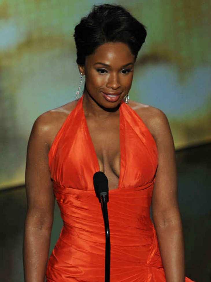 Oscar-Verleihung 2011:Jetzt reicht es aber mit Abnehmen, Jennifer Hudson! Aber wunderschön sieht sie ja aus...