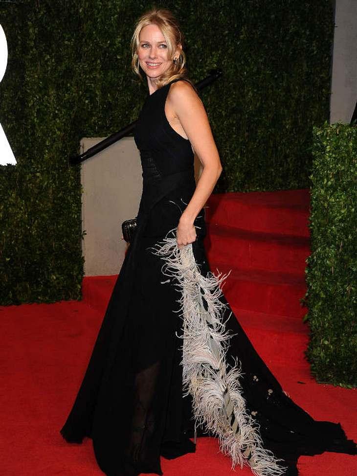 Oscar-Verleihung 2011: Die Partys danachNaomi Watts  in einem Traum in schwarz. Ihr Mann Liev Schreiber war hier nicht an ihrer Seite... Beziehungsprobleme?!