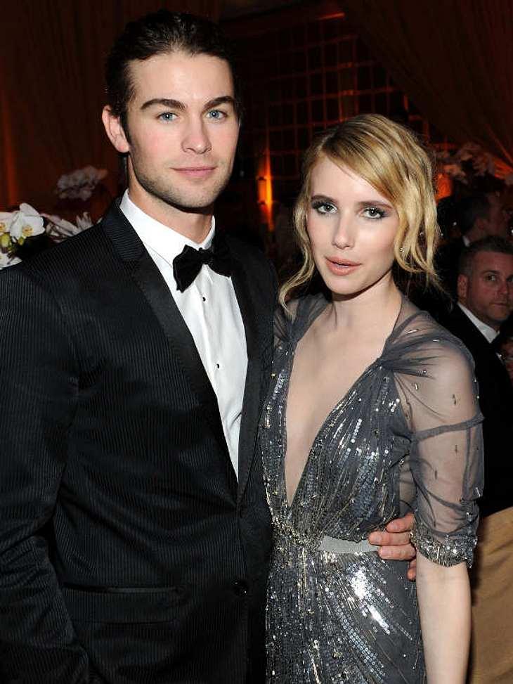 """Oscar-Verleihung 2011: Die Partys danachLäuft da was? """"Gossip Girl""""-Star Chace Crawford mit Julia Roberts Nichte, Emma Roberts, auf der """"Vanity Fair Party""""."""
