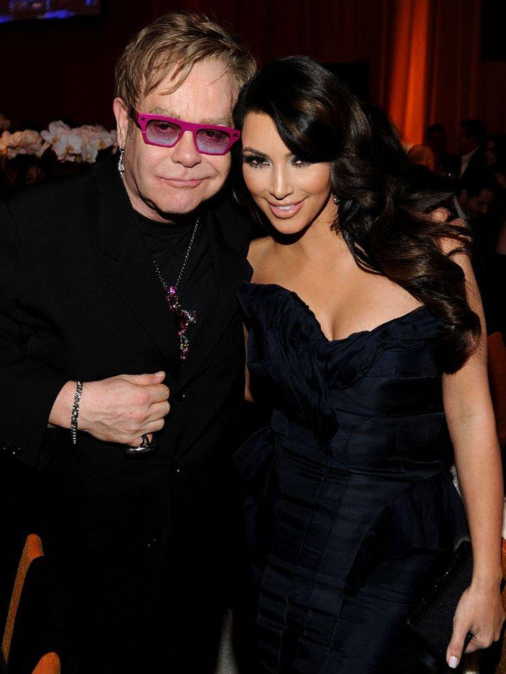 """Oscar-Verleihung 2011: Die Partys danachNeben der """"Vanity Fair""""-Party gibt es noch die legendäre """"Elton-John-Party"""" - richtig heißt sie: """"Elton John AIDS Founddation Academy Awards Viewing Party"""". Hier posiert"""