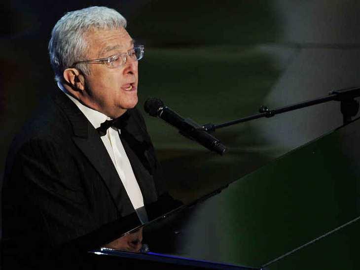 "Oscar-Verleihung 2011:Randy Newman sang auf der Oscar-Bühne den Song ""We Belong Together"" aus dem Film ""Toy Story 3"". Später bekam er für den Song den Oscar!"