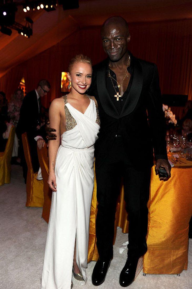 Oscar-Verleihung 2011: Die Partys danachNa, geht da jemand fremd? Heidi Klums Ehemann Seal flirtet mit der wunderschönen Hayden Panettiere. Ihr Box-Freund Wladimir Klitschko war nicht mit ihr auf der Party...