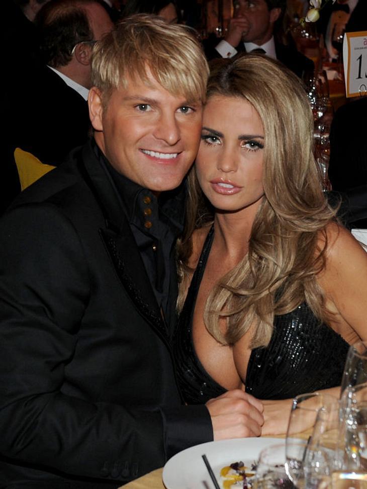 Oscar-Verleihung 2011: Die Partys danachNeu verliebt? Auch Starlet Katie Price war mit dabei - wer dieser junge Mann an ihrer Seite ist, konnten wir leider nicht feststellen...