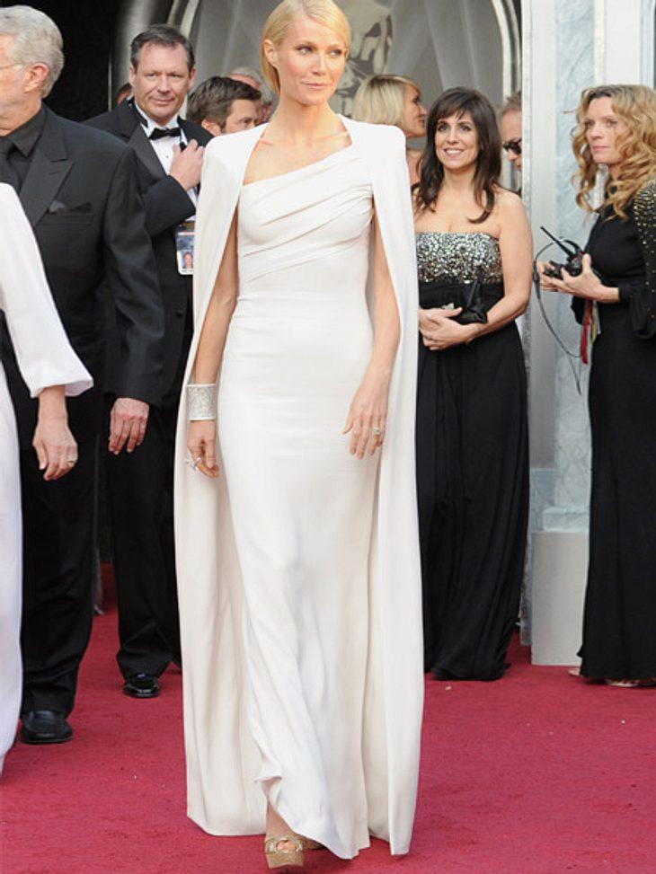 So teuer waren die Looks der Stars bei den Oscars 2012Gwyneth Paltrow (39) überzeugte uns vollends mit ihrem weißen Cape-Kleid von Tom Ford.