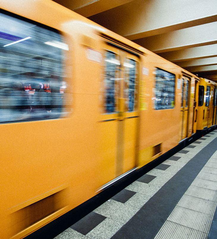 Tödlicher Unfall: U-Bahn erfasst zwei Menschen