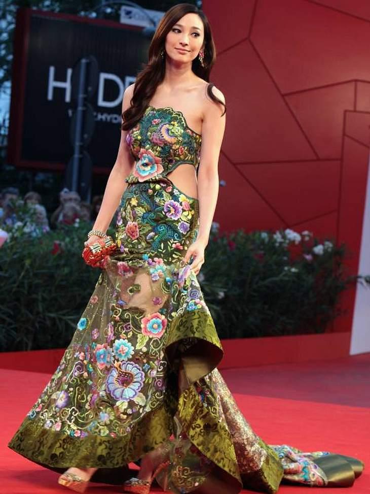 Aber auch hierzulande unbekannte Promis zeigten sich in tollen Roben: So wie Schauspielerin Pace Wu.
