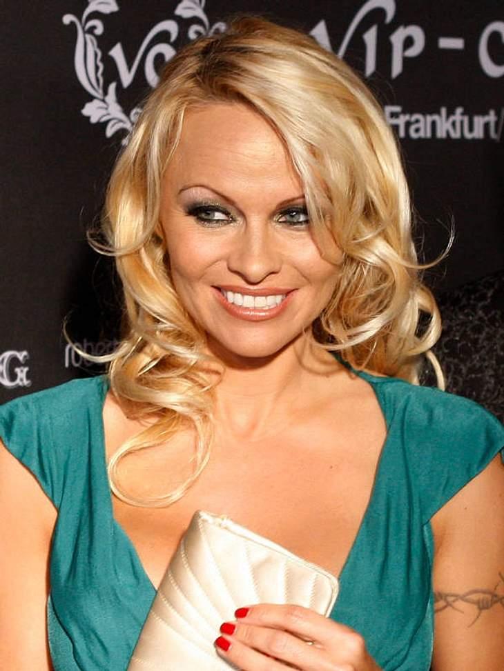 """Diese Stars sind Vegetarier und Veganer""""Baywatch""""-Nixe Pamela Anderson (45) ernährt sich nicht nur vegetarisch, sondern engagiert sich zudem seit Jahren für den Tierschutz."""