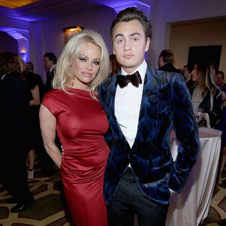 Brandon Thomas Lee begleitet seine Mutter Pamela gerne auf Events
