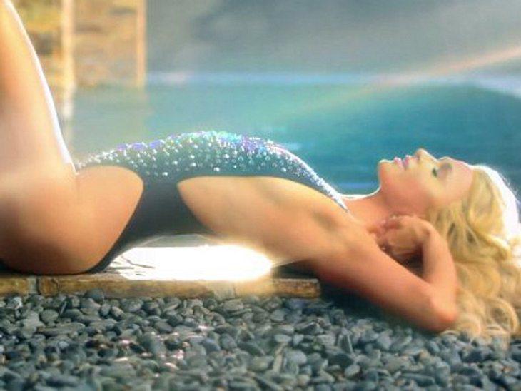 Paris Hilton macht ihre Fans heiß