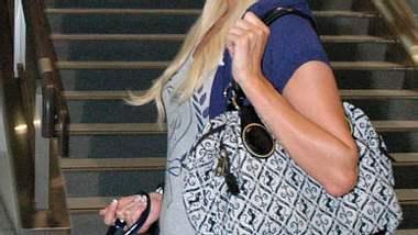 Kurze Reise: Vom Flughafen ging es für Paris Hilton wieder gen Heimat! - Foto: Getty Images
