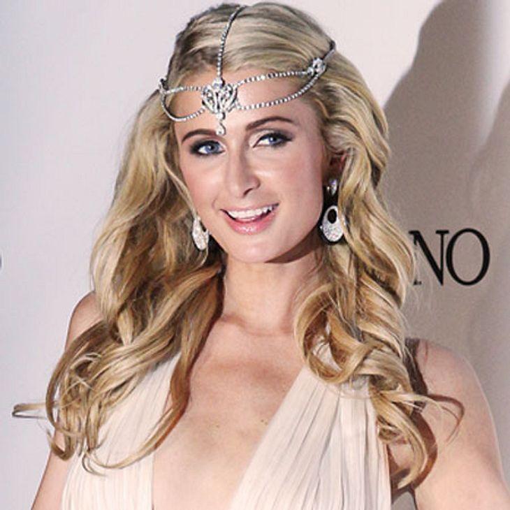 Paris Hilton singt wieder