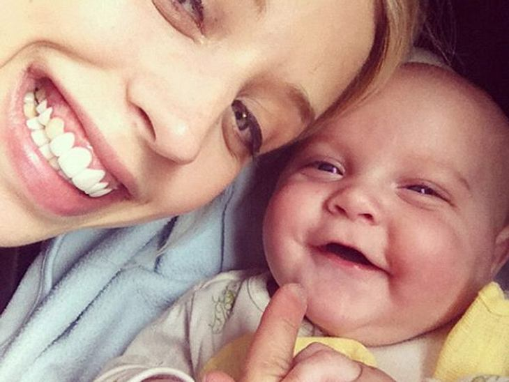 Die süßesten Promi-KinderWas ist sie stolz auf ihren Astala. Peaches Geldof (23), die man vor ihrer Schwangerschaft nur als zugedröhntes Partygirl kennt, hat sich seit der Geburt total verändert.