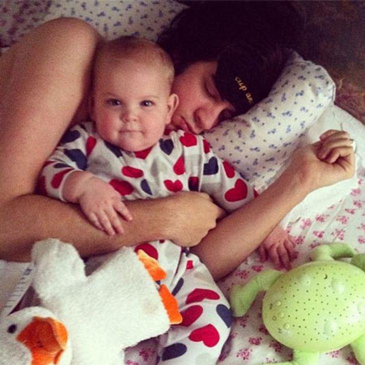 Nach wechselnden Liebschaften hat das It-Girl endlich ihren Mann fürs Leben gefunden, mit dem sie bereits ihr zweites Kind erwartet. Hier kuschelt Musiker Tom Cohen mit seinem Sohn, der mit vollem Namen Astala Willow Geldof-Cohen heißt.